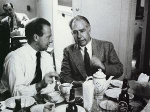 Heisenberg (izquierda) y Bohr (derecha)